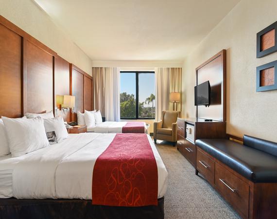 2 Queen Beds Suites