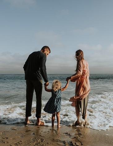 barefoot-beach-cheerful