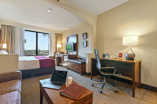 WELCOME TO COMFORT SUITES MIAMI - KENDALL!
